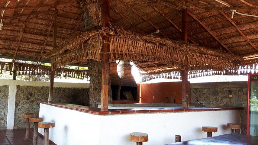 Local Comercial Zulia>Maracaibo>Los Bucares - Venta:40.967.000.000 Precio Referencial - codigo: 16-14015