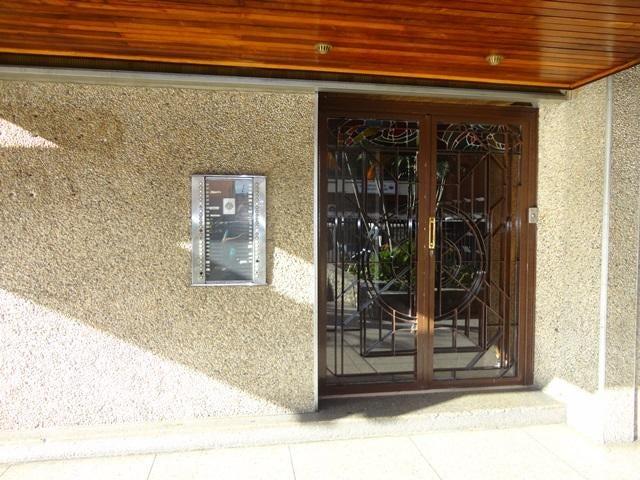 Apartamento Distrito Metropolitano>Caracas>Los Dos Caminos - Venta:880.000.000 Bolivares Fuertes - codigo: 16-14043