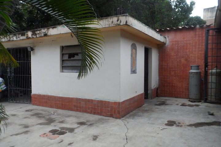 Casa Carabobo>Valencia>Las Acacias - Venta:2.280.000.000 Bolivares - codigo: 16-14039