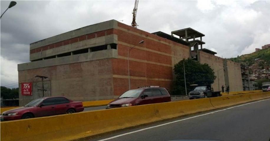 Local Comercial Distrito Metropolitano>Caracas>Cementerio - Venta:2.486.000.000 Precio Referencial - codigo: 16-13544
