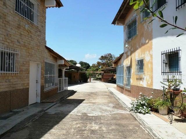Casa Miranda>Higuerote>Higuerote - Venta:65.228.000.000 Precio Referencial - codigo: 16-15929