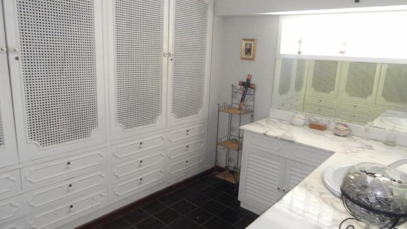 Casa Distrito Metropolitano>Caracas>Alto Prado - Venta:117.501.000.000 Bolivares - codigo: 16-14143