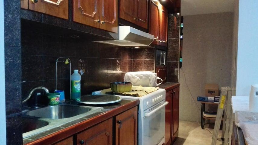 Apartamento Miranda>Guarenas>Nueva Casarapa - Venta:12.925.000.000 Bolivares Fuertes - codigo: 16-14202