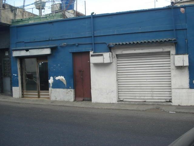 Local Comercial Vargas>Parroquia Maiquetia>Pariata - Venta:25.000 US Dollar - codigo: 16-14272