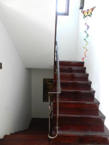 Casa Distrito Metropolitano>Caracas>Colinas de La California - Venta:131.306.000.000 Precio Referencial - codigo: 16-14266