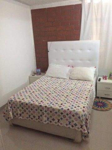 Apartamento Miranda>Guarenas>Nueva Casarapa - Venta:5.875.000.000 Bolivares Fuertes - codigo: 16-14311