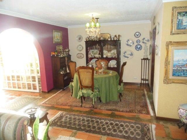 Casa Distrito Metropolitano>Caracas>El Cafetal - Venta:185.991.000.000 Precio Referencial - codigo: 16-14407