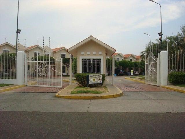 Townhouse Zulia>Maracaibo>Canchancha - Venta:14.100.000.000 Bolivares - codigo: 16-14424
