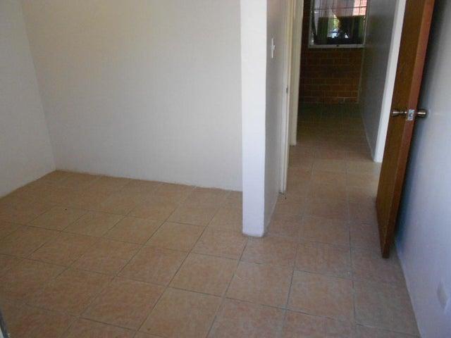 Apartamento Miranda>Guarenas>Nueva Casarapa - Venta:7.329.000.000 Precio Referencial - codigo: 16-14444