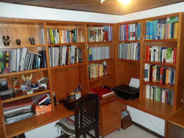 Apartamento Distrito Metropolitano>Caracas>Macaracuay - Venta:144.000 Precio Referencial - codigo: 16-14447