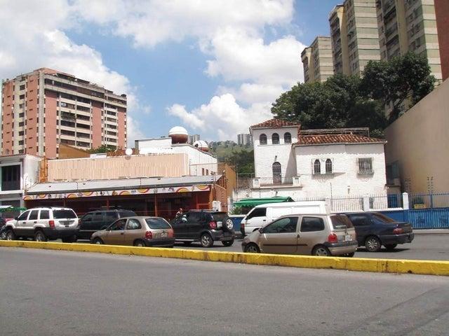 Local Comercial Distrito Metropolitano>Caracas>El Paraiso - Venta:127.018.000.000 Bolivares - codigo: 16-14449