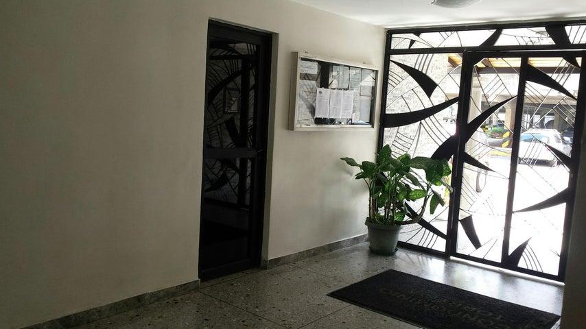 Apartamento Carabobo>Municipio Naguanagua>La Granja - Venta:67.584.000 Bolivares Fuertes - codigo: 16-14473