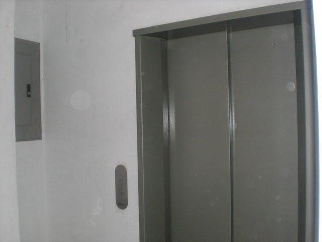 Apartamento Distrito Metropolitano>Caracas>Loma Linda - Venta:91.609.000.000 Precio Referencial - codigo: 16-14492