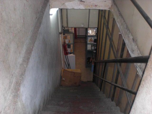Local Comercial Distrito Metropolitano>Caracas>Parroquia Catedral - Venta:85.185.000.000 Bolivares - codigo: 16-14516