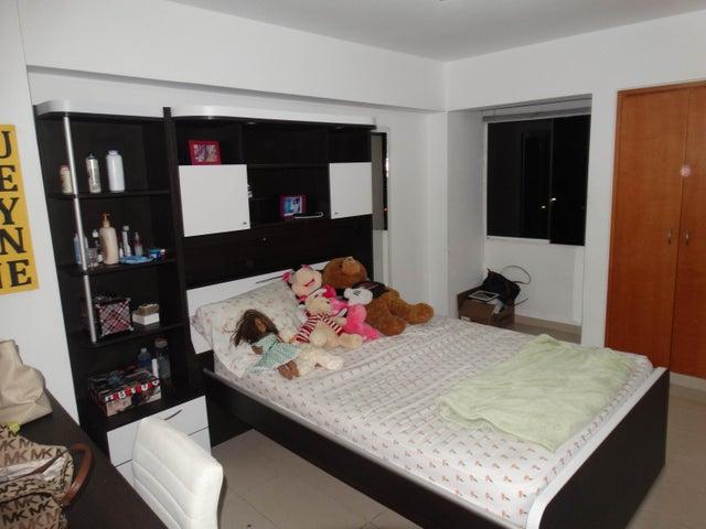 Apartamento Distrito Metropolitano>Caracas>Las Mesetas de Santa Rosa de Lima - Venta:254.195.000.000 Precio Referencial - codigo: 16-14563