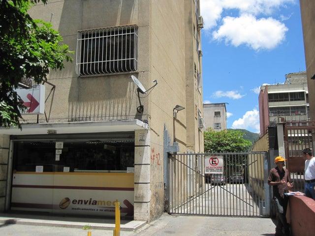 Apartamento Distrito Metropolitano>Caracas>Vista Alegre - Venta:11.636.000.000 Bolivares Fuertes - codigo: 16-14583