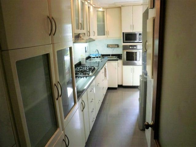 Apartamento Distrito Metropolitano>Caracas>La Trinidad - Venta:5.774.000.000 Bolivares Fuertes - codigo: 16-14633