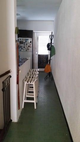 Apartamento Vargas>Parroquia Naiguata>Camuri Grande - Venta:28.000 Precio Referencial - codigo: 16-14642