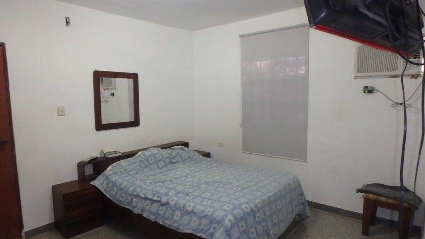 Casa Falcon>Punto Fijo>Guanadito - Venta:12.000 US Dollar - codigo: 16-14751