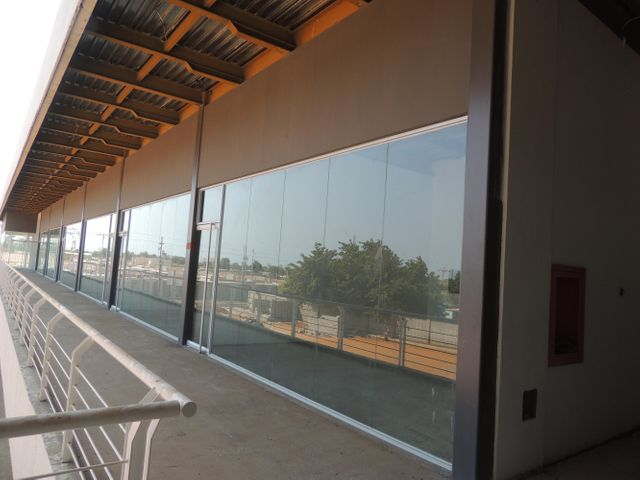 Local Comercial Zulia>Municipio San Francisco>San Francisco - Alquiler:23.000.000 Bolivares Fuertes - codigo: 16-14779
