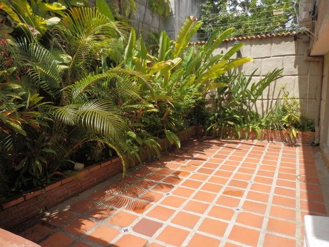 Casa Distrito Metropolitano>Caracas>Terrazas del Club Hipico - Venta:262.897.000.000 Precio Referencial - codigo: 16-15713