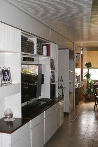 Apartamento Distrito Metropolitano>Caracas>Colinas de Bello Monte - Venta:24.675.000.000 Bolivares Fuertes - codigo: 16-14681