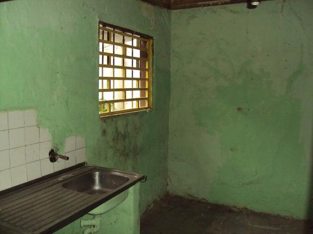 Casa Aragua>Villa de Cura>Centro - Venta:578.000.000 Bolivares - codigo: 16-14840