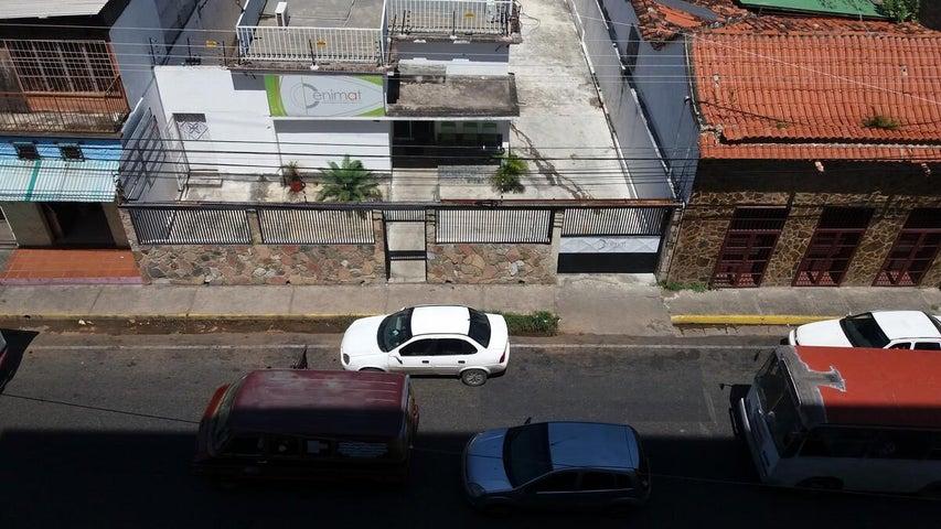 Apartamento Miranda>Charallave>Centro de Charallave - Venta:6.790.000.000 Bolivares Fuertes - codigo: 16-14910