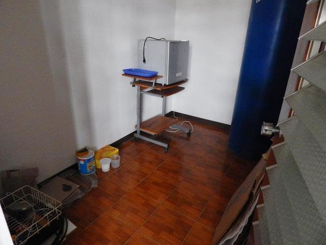Apartamento Distrito Metropolitano>Caracas>Los Dos Caminos - Alquiler:850.000 Bolivares Fuertes - codigo: 16-14953