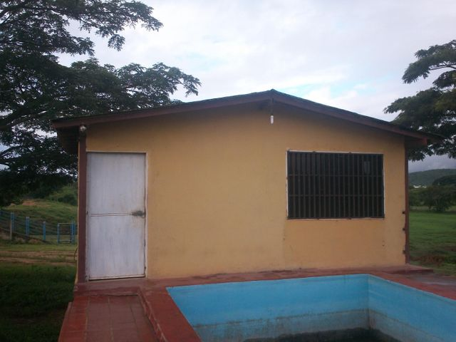 Terreno Lara>Cabudare>Parroquia Cabudare - Venta:18.047.000.000 Bolivares - codigo: 16-15025