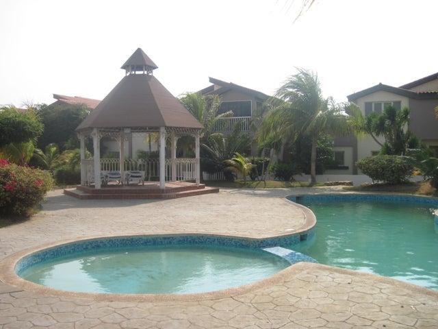 Townhouse Zulia>Maracaibo>Avenida Milagro Norte - Venta:46.188.000.000 Bolivares - codigo: 16-9261