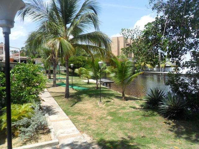 Townhouse Miranda>Rio Chico>Los Canales de Rio Chico - Venta:12.827.000.000 Precio Referencial - codigo: 16-15062