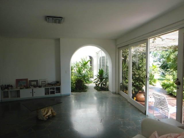 Casa Distrito Metropolitano>Caracas>Cerro Verde - Venta:1.037.696.000.000 Bolivares - codigo: 16-15445