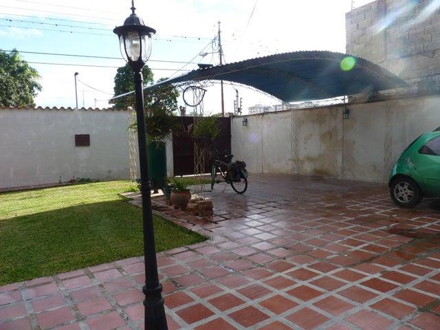 Casa Aragua>Turmero>Los Nisperos - Venta:5.640.000.000 Bolivares - codigo: 16-15128