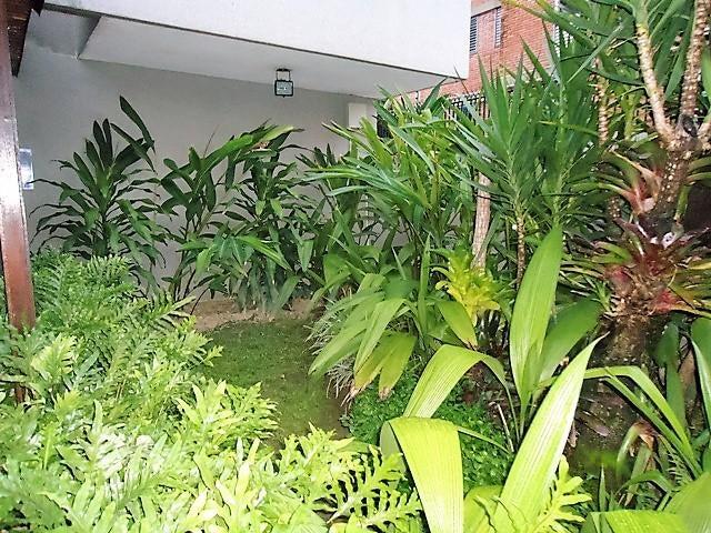 Apartamento Distrito Metropolitano>Caracas>Santa Eduvigis - Venta:158.410.000.000 Precio Referencial - codigo: 16-15132