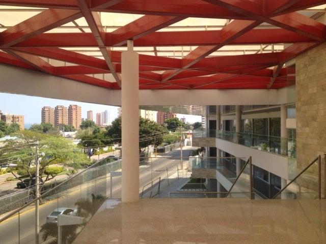 Local Comercial Zulia>Maracaibo>Colonia Bella Vista - Alquiler:5.267.000 Bolivares - codigo: 16-15141