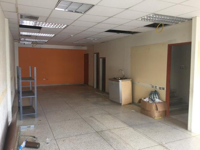 Local Comercial Zulia>Ciudad Ojeda>Avenida Bolivar - Venta:37.500.000.000 Bolivares - codigo: 16-15147