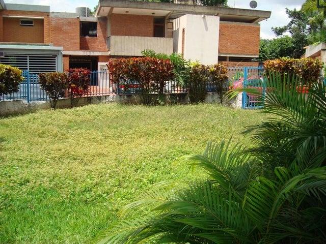 Casa Distrito Metropolitano>Caracas>El Cafetal - Venta:170.000 US Dollar - codigo: 16-16303