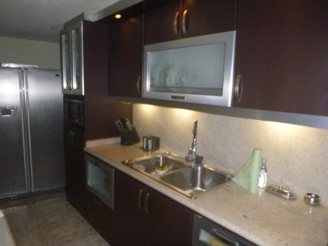 Apartamento Miranda>Guarenas>Nueva Casarapa - Venta:13.500 US Dollar - codigo: 16-15250