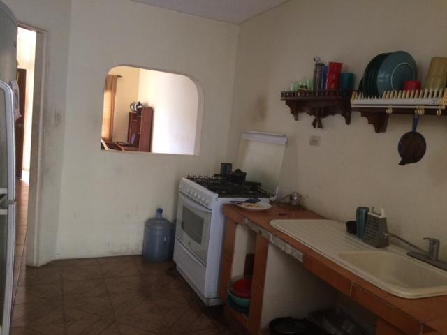 Townhouse Zulia>Maracaibo>Santa Fe - Venta:30.000.000 Bolivares - codigo: 16-15273