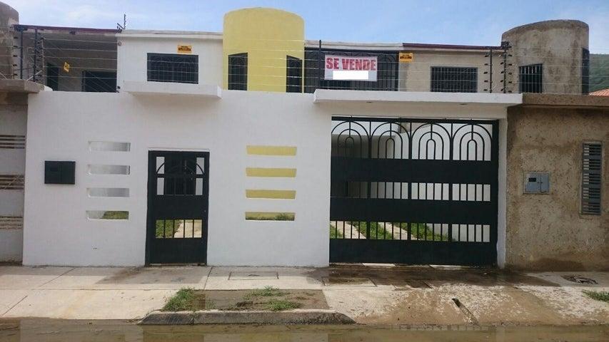 Casa Aragua>La Victoria>El Recreo - Venta:40.967.000.000  - codigo: 16-15305