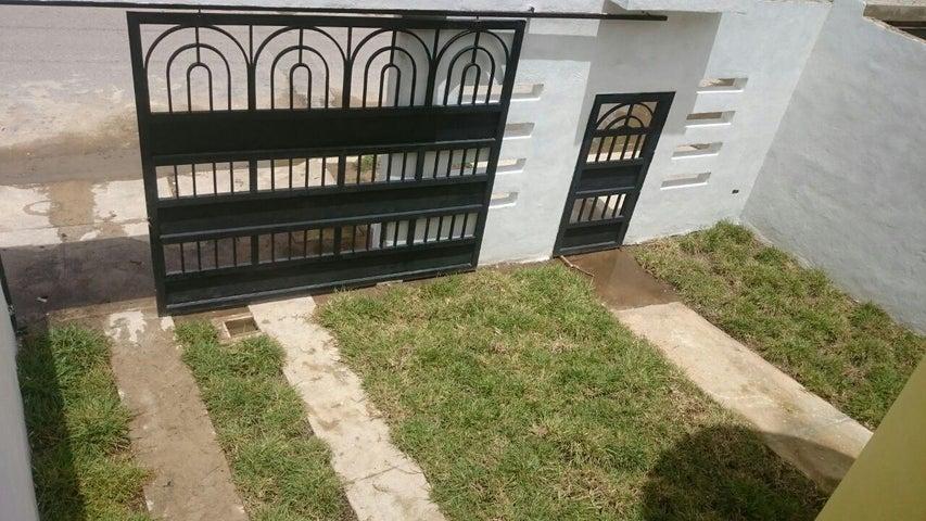 Casa Aragua>La Victoria>El Recreo - Venta:15.000.000.000 Bolivares - codigo: 16-15305