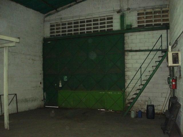 Galpon - Deposito Distrito Metropolitano>Caracas>Mariche - Venta:92.534.000.000 Bolivares - codigo: 16-15334