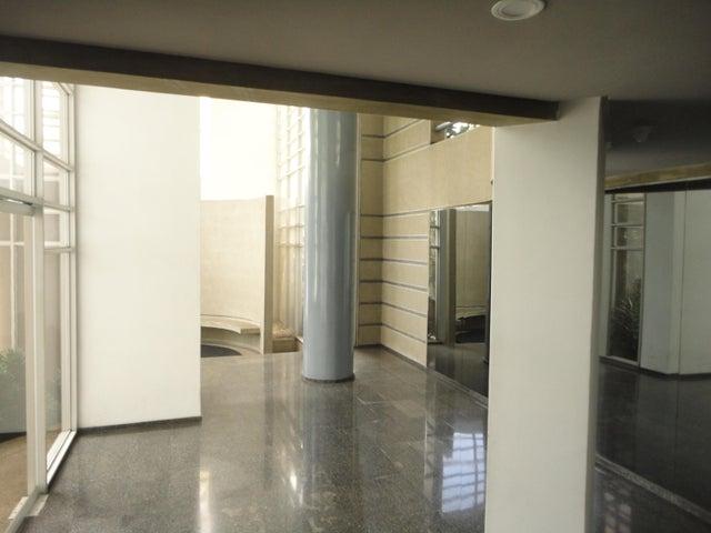 Apartamento Distrito Metropolitano>Caracas>Colinas de Valle Arriba - Venta:800.000 Precio Referencial - codigo: 16-14627