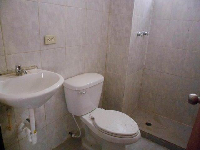 Apartamento Carabobo>Municipio Los Guayos>Paraparal - Venta:14.500.000 Bolivares Fuertes - codigo: 16-15406