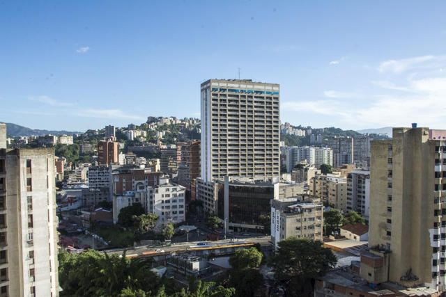 Apartamento Distrito Metropolitano>Caracas>El Bosque - Venta:18.047.000.000 Bolivares Fuertes - codigo: 16-15447