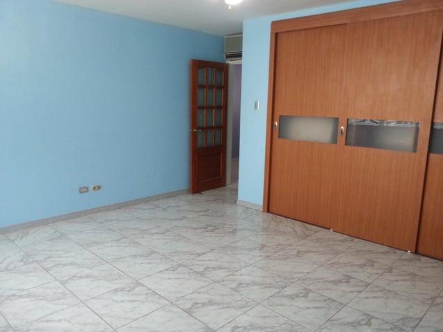 Apartamento Distrito Metropolitano>Caracas>San Bernardino - Venta:36.837.000.000 Bolivares Fuertes - codigo: 16-15438