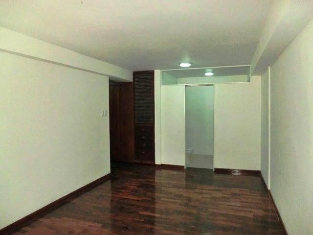 Apartamento Distrito Metropolitano>Caracas>Los Palos Grandes - Venta:100.770.000.000 Precio Referencial - codigo: 16-15453