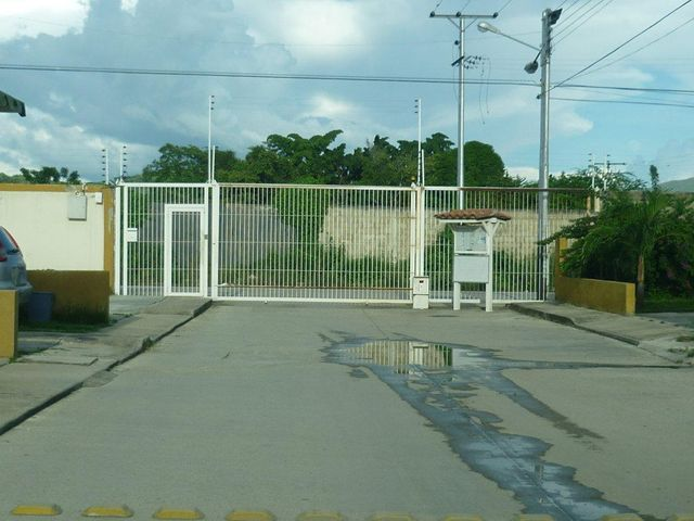Apartamento Aragua>Cagua>Corinsa - Venta:13.771.000.000 Precio Referencial - codigo: 16-15461