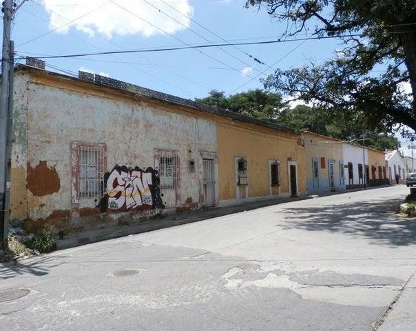Terreno Carabobo>Valencia>Avenida Bolivar Norte - Venta:6.337.000.000 Bolivares - codigo: 16-15485